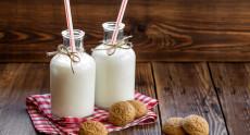 Lượng sữa cung cấp mỗi ngày như thế nào là đủ?